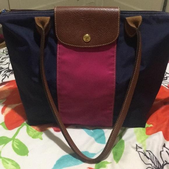 Longchamp Handbags - LongChamp Purse 6899bccf387e4